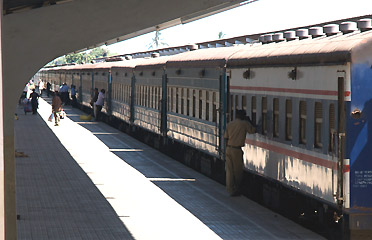Tanzania-train-at-dar