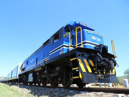tn_bw-br-loco-passenger-coaches-transnet