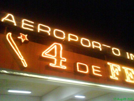 Luanda_Airport_Sign_Aeroporto_4_de_Feveiro_LAD