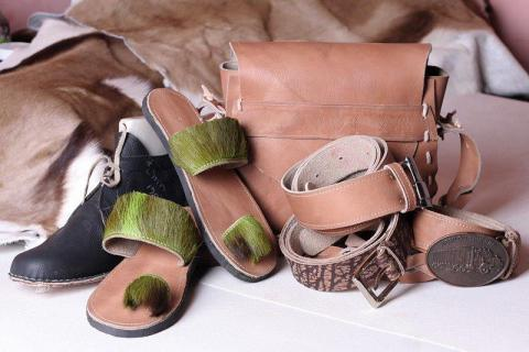 Leather-goods-by-LEA-clients