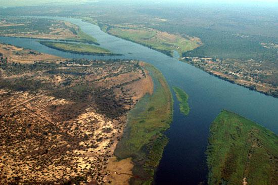 Zambezi_River_at_junction_of_Namibia_Zambia_Zimbabwe__Botswana