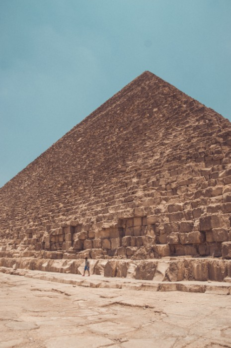GIZA_004_PHOTO_BY_adrian-dascal-UNSPLASH