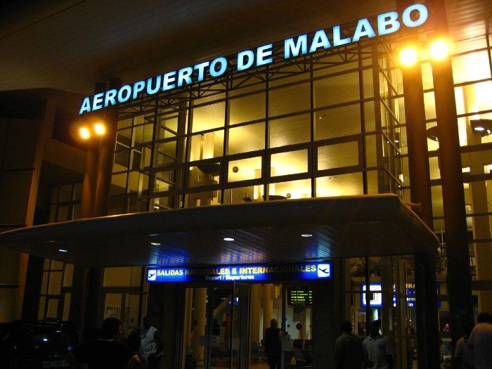 MALABOAIRPORT_002_PHOTO_BY_Fernando2000_WIKIPEDIA